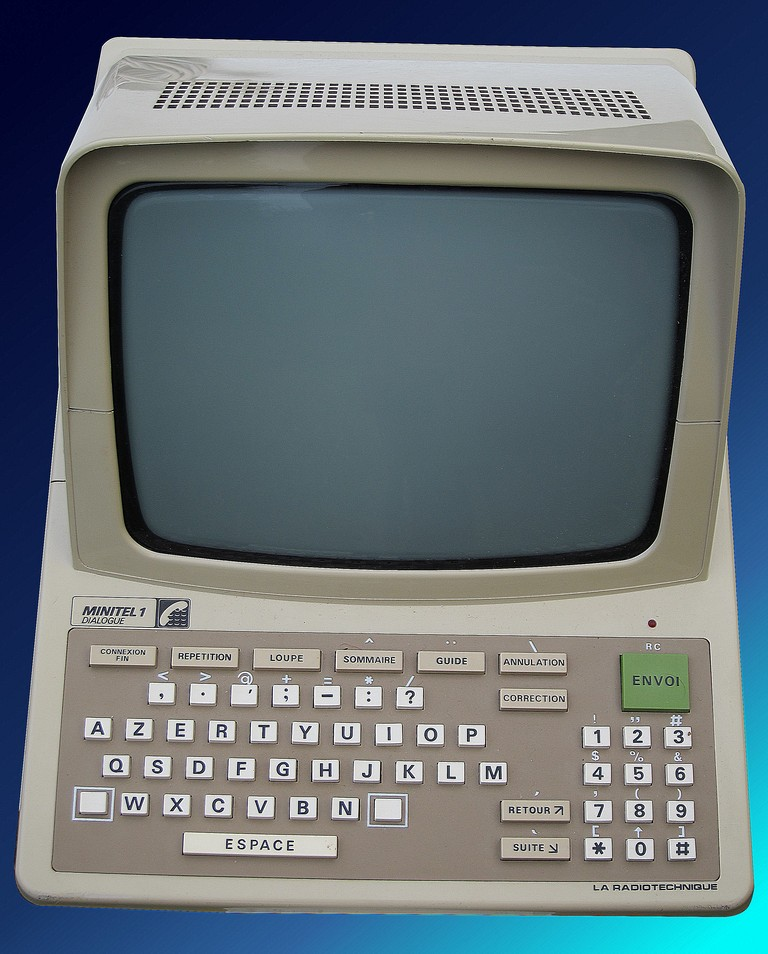 Minitel1_Dialogue_Radiotechnique_1988.JPG